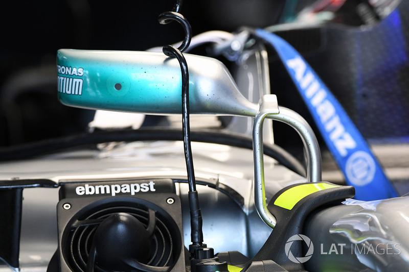 Un rétroviseur de la Mercedes-Benz F1 W08