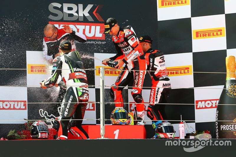 Podium: 1. Chaz Davies, Ducati Team; 2. Jonathan Rea, Kawasaki Racing; 3. Marco Melandri, Ducati Team