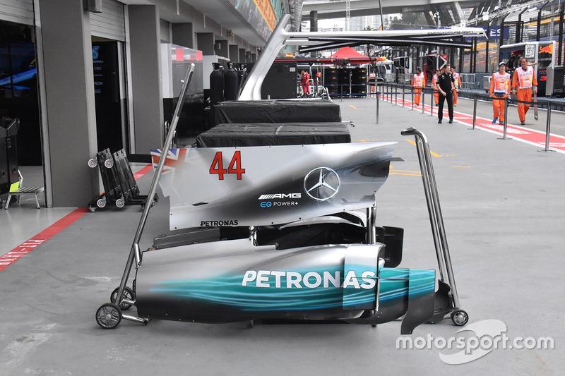 Mercedes F1 W08: Motorhauben-Finne