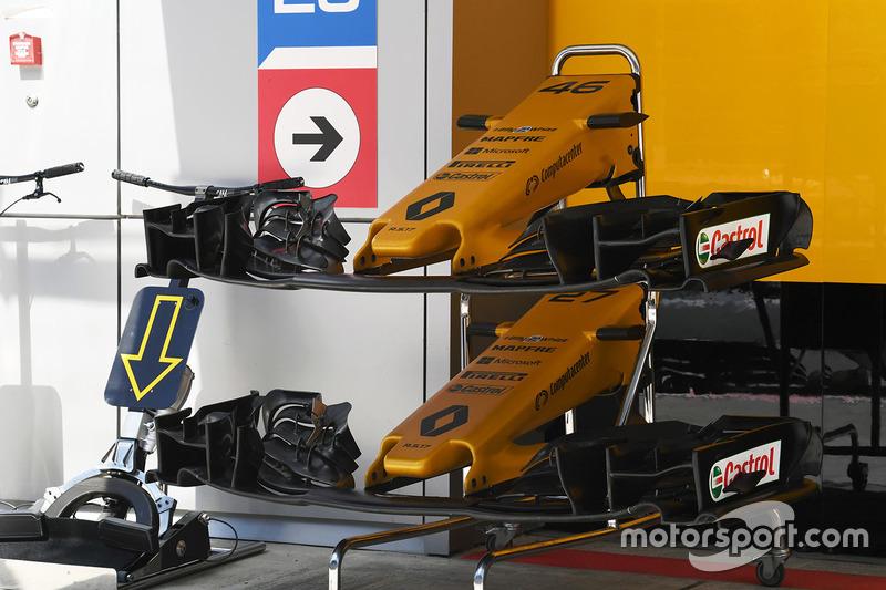 Sayap dan hidung depan mobil Renault Sport F1 Team RS17