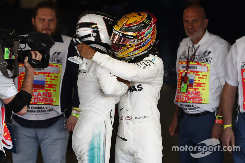 Winner Valtteri Bottas, Mercedes AMG F1, Lewis Hamilton, Mercedes AMG F1