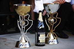 I trofei del vincitore di Valtteri Bottas, Mercedes AMG F1