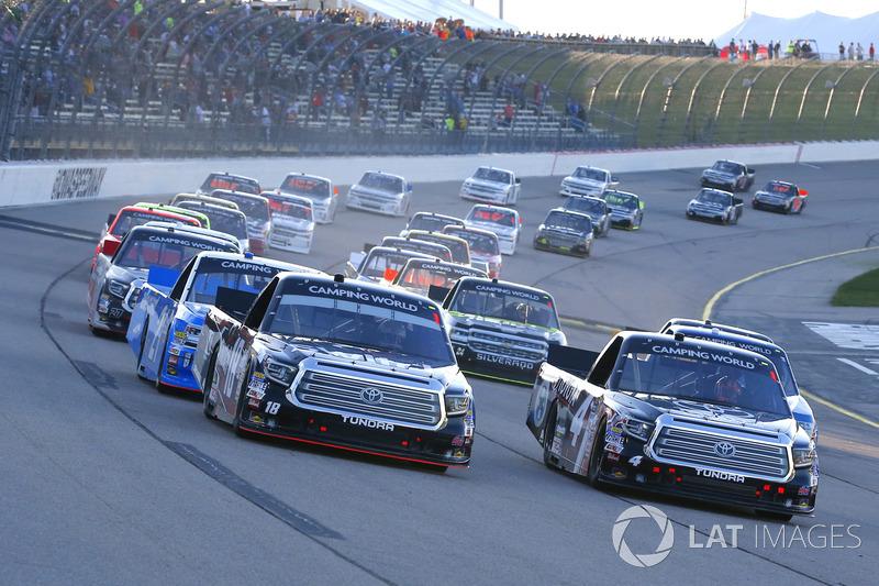 Start: Noah Gragson, Kyle Busch Motorsports Toyota, Christopher Bell, Kyle Busch Motorsports Toyota