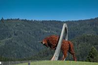 Vista y  escultura de Toro