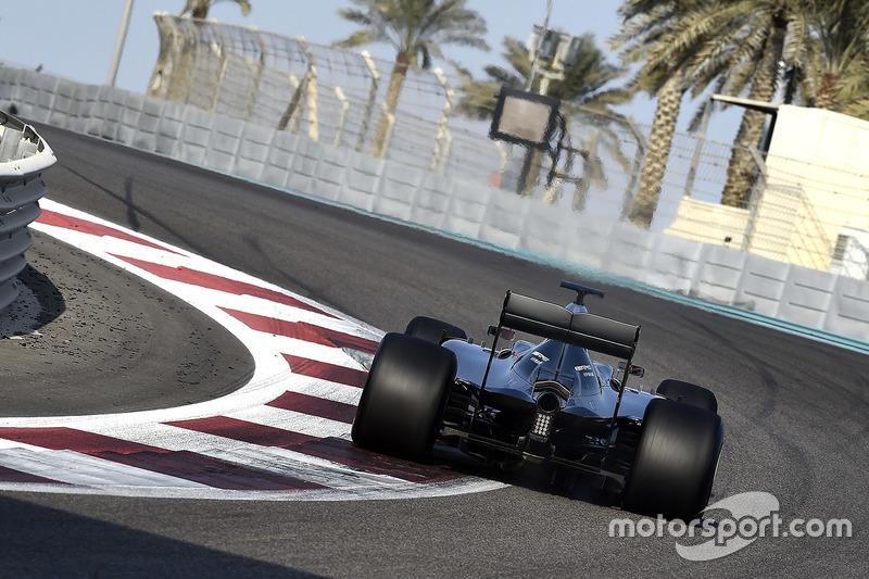 Pascal Wehrlein, Mercedes AMG F1 W05 Hybrid teste les pneus Pirelli 2017