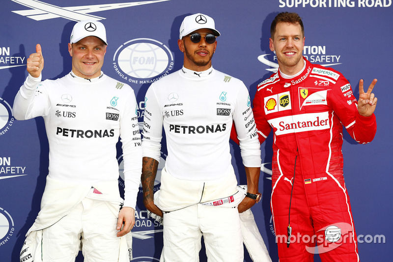 Гран Прі Австралії. Поулсіттер Льюіс Хемілтон Mercedes AMG F1, друге місце - Себастьян Феттель, Ferrari, третє місце - Валттері Боттас Mercedes AMG F1