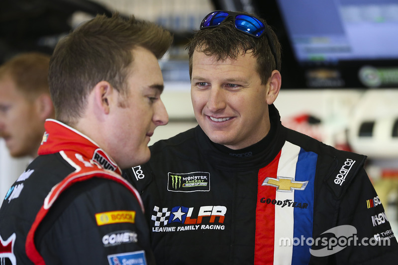Michael McDowell, Leavine Family Racing Chevrolet y Ty Dillon, Germain Racing Chevrolet