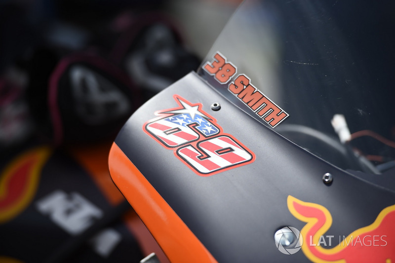 Bradley Smith, Red Bull KTM Factory Racing, with number of Nicky Hayden his fairing