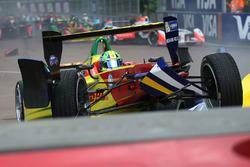 Lucas di Grassi, ABT Schaeffler Audi Sport and Sébastien Buemi, Renault e.Dams crash in the first corner