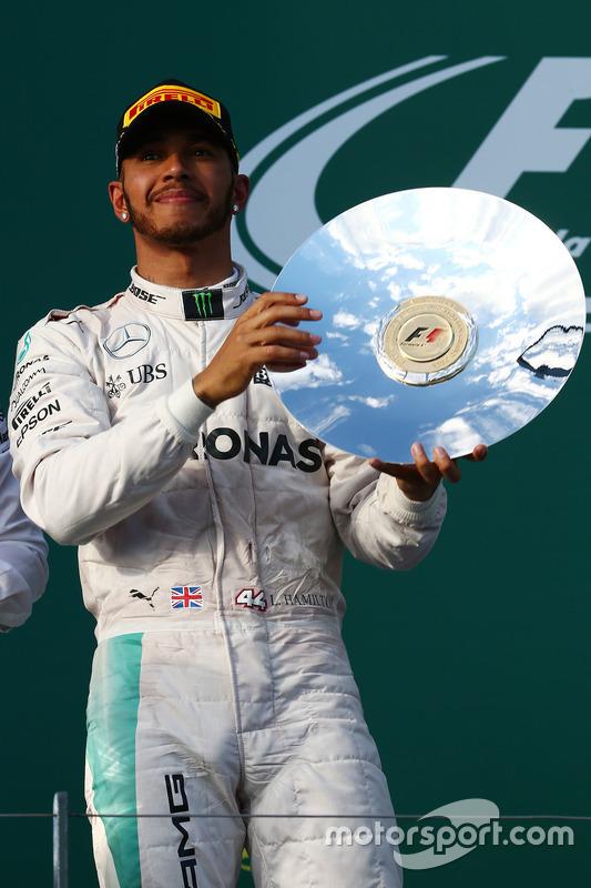 Podium: tweede plaats Lewis Hamilton, Mercedes AMG F1 Team