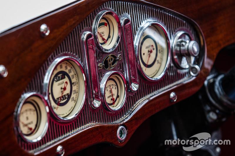 Classic Grand Tour: Panhard & Levassor, кабіна