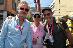 Eddie Irvine, Edmund Irvine, e Liam Cunningham, Acttore, in griglia