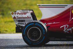 Кими Райкконен, Ferrari SF70H: задняя шина Pirelli, плавник и заднее антикрыло