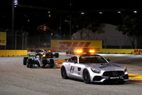 Safety Car leads Lewis Hamilton, Mercedes AMG F1 W08