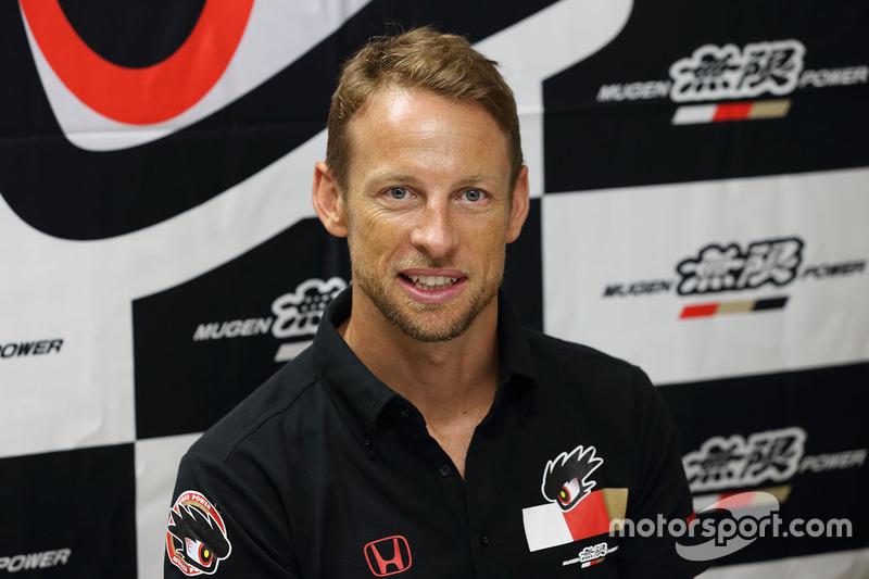 Agora, Button deverá se dedicar de vez ao GT japonês, onde já fez uma etapa em 2017
