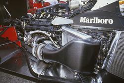 Турбодвигатель Honda RA168E V6 на шасси McLaren MP4/4