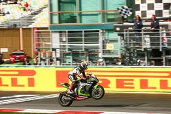 2017 champion Jonathan Rea, Kawasaki Racing takes the win
