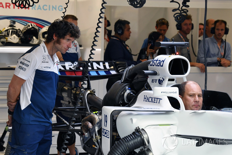 Guy Martin, Williams as new chassis is built up for Felipe Massa, Williams FW40