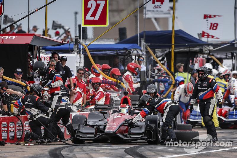 Mikhail Aleshin, Schmidt Peterson Motorsports Honda pit stop