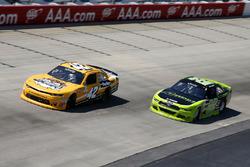 Kyle Larson, Chip Ganassi Racing, Chevrolet; Ryan Blaney, Team Penske, Ford