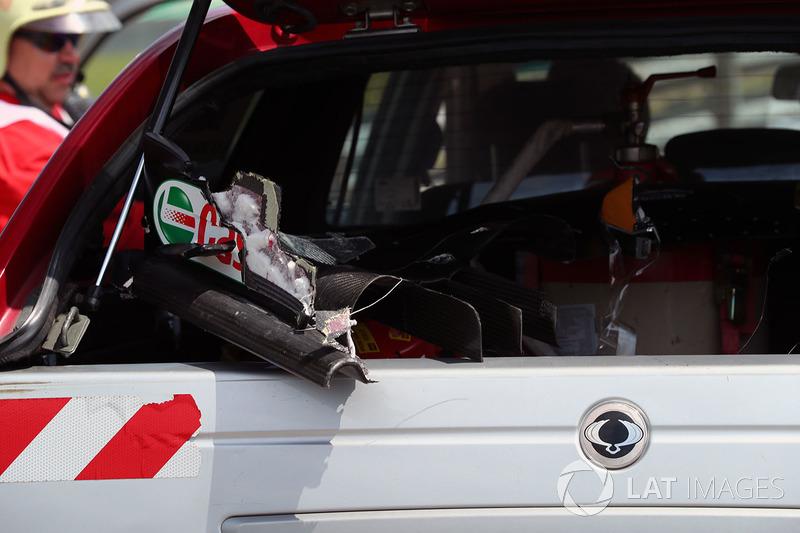 حطام الجناح الأمامي لسيارة جوليون بالمر، رينو