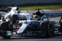 Lewis Hamilton, Mercedes F1 W08, leads Felipe Massa, Williams FW40