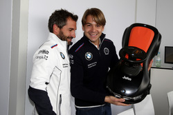 Timo Glock, BMW Team RMG; Augusto Farfus, BMW Team RMG; mit Bobbycar