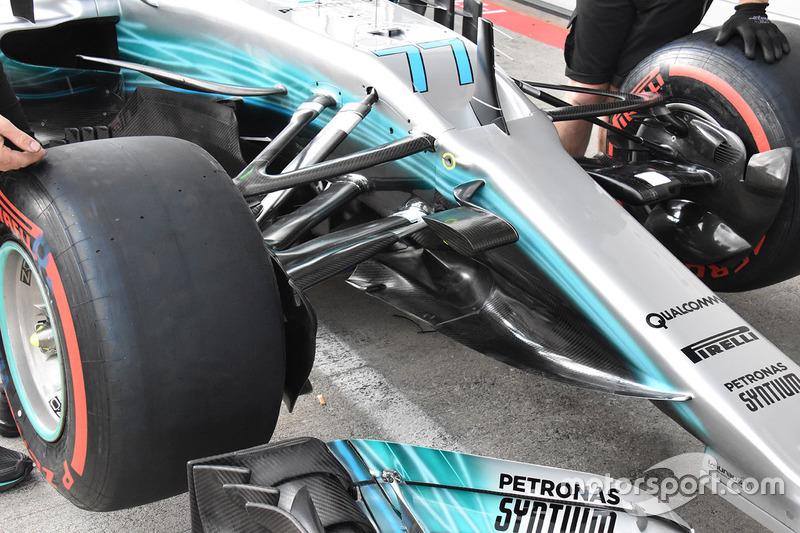 Mercedes AMG F1 W08 ön detay