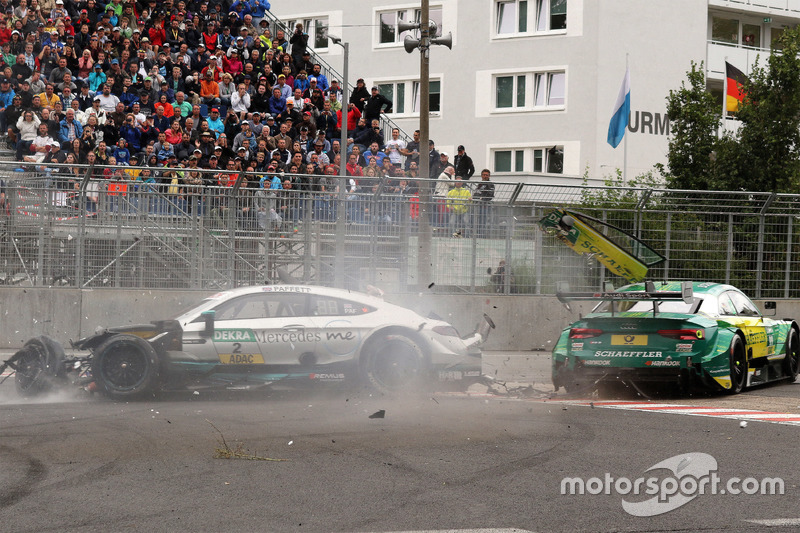 Gary Paffett, Mercedes-AMG Team HWA, Mercedes-AMG C63 DTM dan Mike Rockenfeller, Audi Sport Team Phoenix, Audi RS 5 DTM