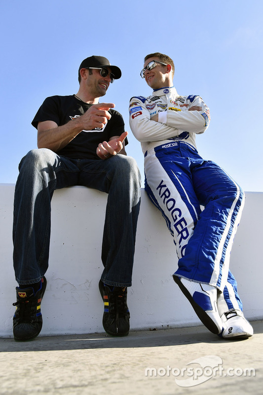 A.J. Allmendinger, JTG Daugherty Racing, Chevrolet, und Max Papis