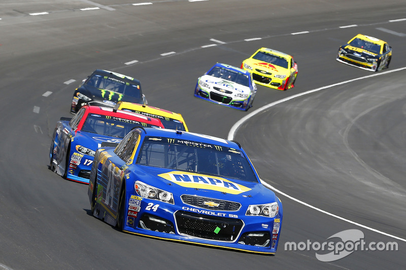 Chase Elliott, Hendrick Motorsports, Chevrolet; Ricky Stenhouse Jr., Roush Fenway Racing, Ford