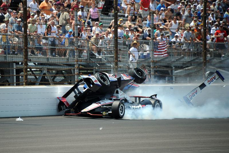 Will Power und Mike Conway crashen