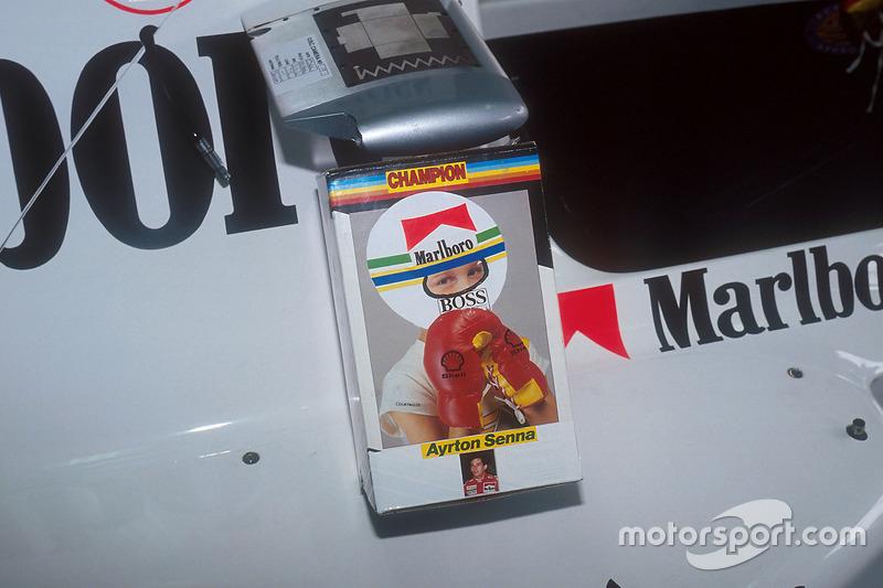Für Senna beginnt das letzte McLaren-Wochenende mit einem Mechaniker-Scherz