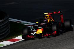 Max Verstappen, Red Bull Racing RB12 con la cubierta de la cabina de Halo
