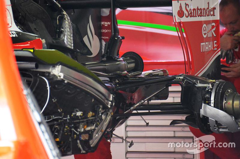 Ferrari SF16-H: retrotreno con i radiatori a V