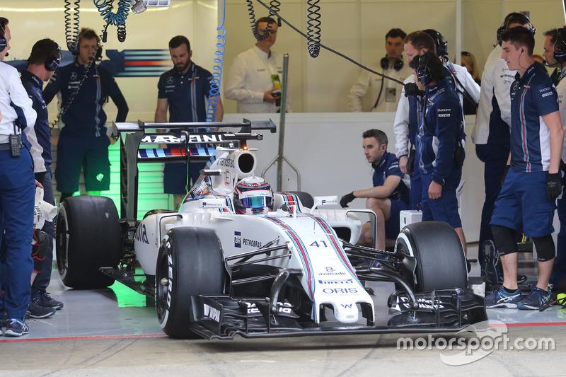 """Williams FW 38, ala posteriore con doppio flap ed extra winglets e """"corna"""" sull'anteriore"""