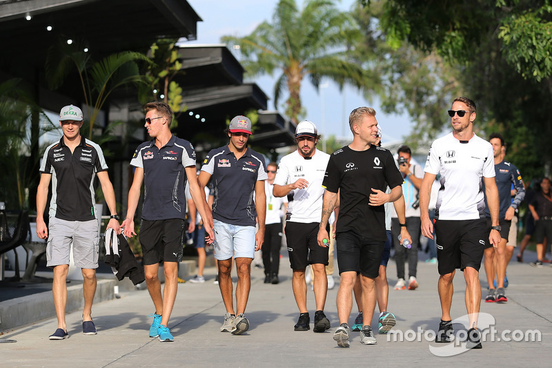 Nico Hülkenberg, Sahara Force India,;Daniil Kvyat, Scuderia Toro Rosso; Kevin Magnussen, Renault Sport F1 Team; Jenson Button, McLaren Honda