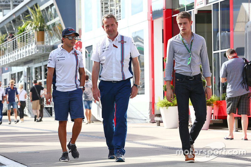 Felipe Massa, Williams with Steve Nielsen, Williams Sporting Manager and Paul di Resta, Williams Res