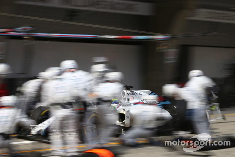 Felipe Massa, Williams FW38  parada en boxes