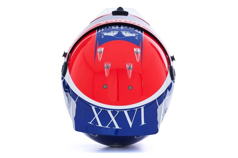 Шлем пилота Scuderia Toro Rosso Даниила Квята