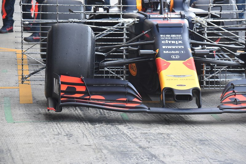 Detalle del alerón delantero del RB15