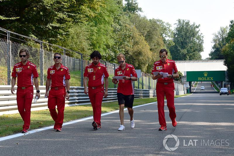 Sebastian Vettel, Ferrari ispeziona il circuito