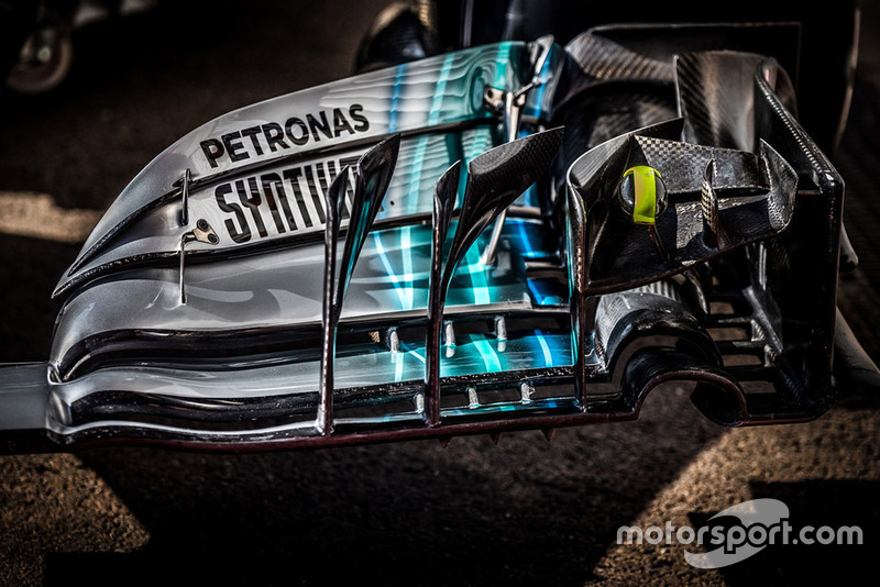 Mercedes AMG F1 W09, переднє антикрило