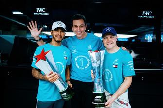 Lewis Hamilton, Valtteri Bottas, Toto Wollf, Mercedes AMG F1