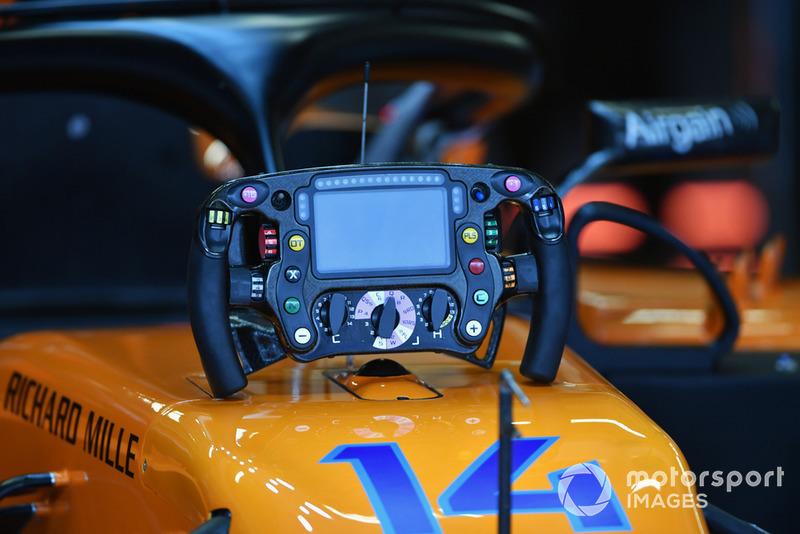 Le volant de la McLaren MCL33