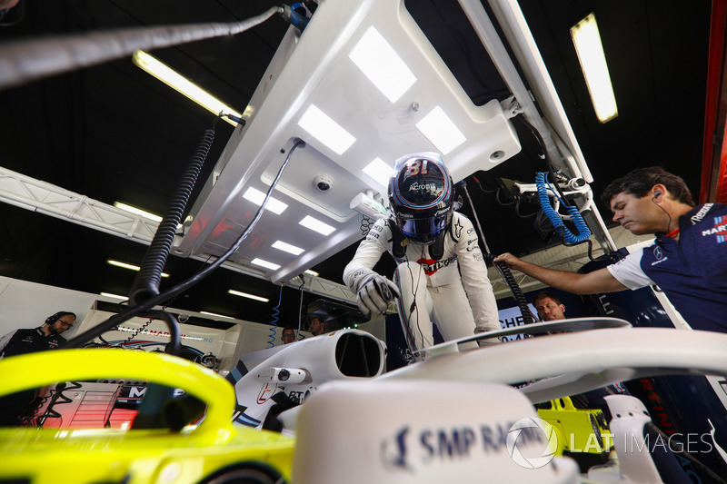 Lance Stroll, Williams Racing, sube a su coche