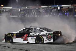 Kevin Harvick, Stewart-Haas Racing, Jimmy John's Ford Fusion celebrates his win