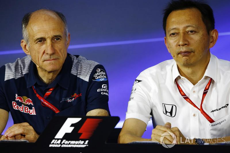Керівник Scuderia Toro Rosso, старший керівний директор Honda Юсуке Хасегава