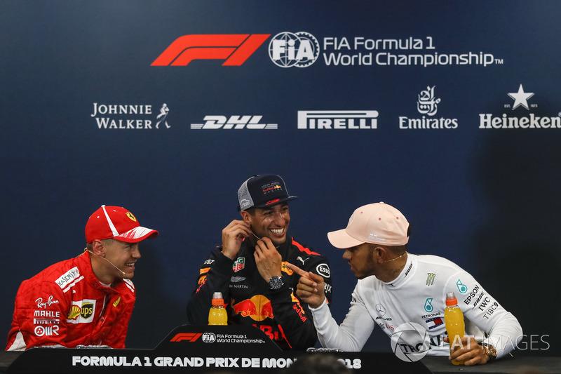 Sebastian Vettel, Ferrari, Daniel Ricciardo, Red Bull Racing et Lewis Hamilton, Mercedes-AMG F1 lors de la conférence de presse