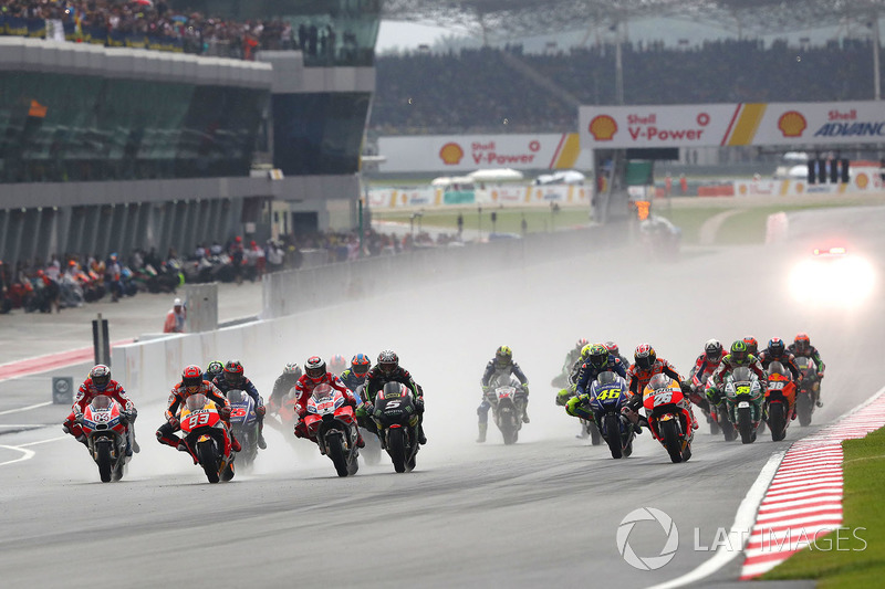 10. Marc Marquez and Andrea Dovizioso lead into first corner